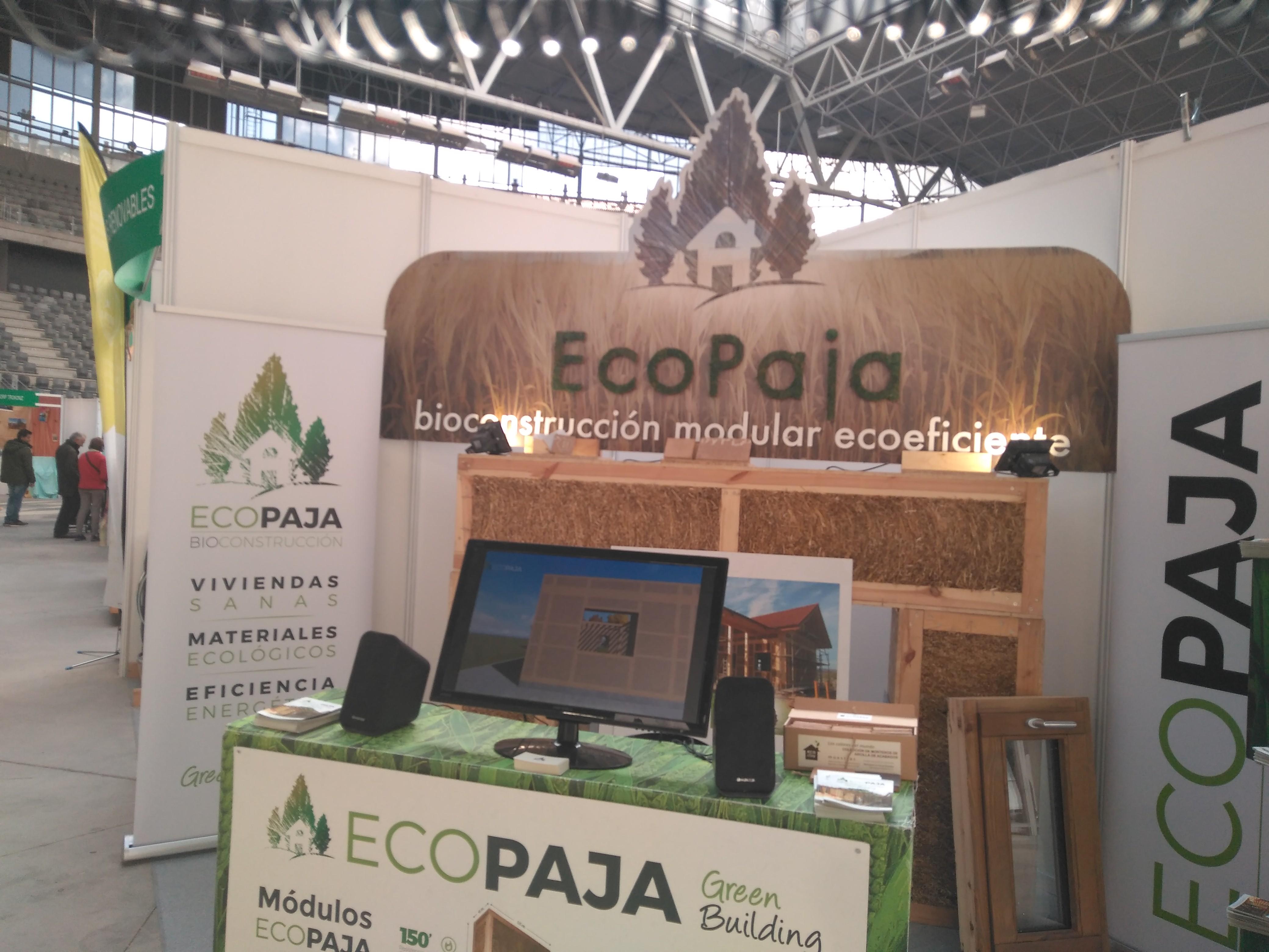 stand reciclado ecopaja